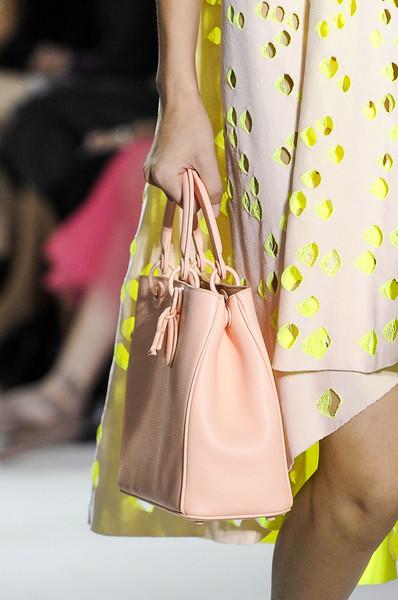 Christian+Dior+Spring+2013+Details+lToUB279dAxl