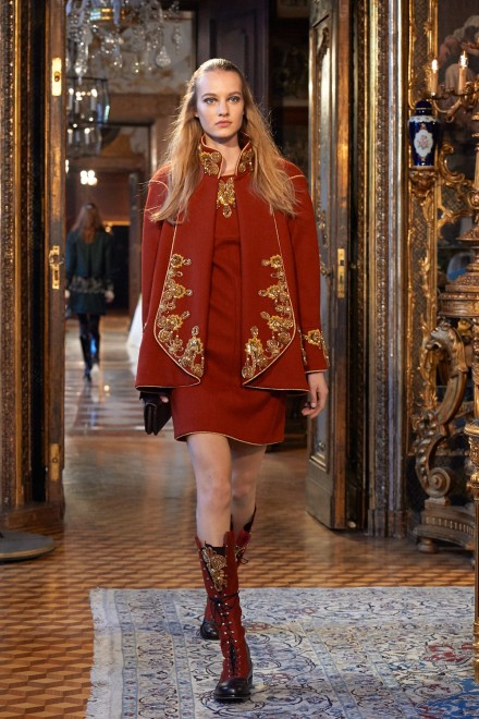 Chanel-Metiers-dart-Paris-Salzburg-2014-15-collection---Show-pictures-by-Olivier-Saillant-004