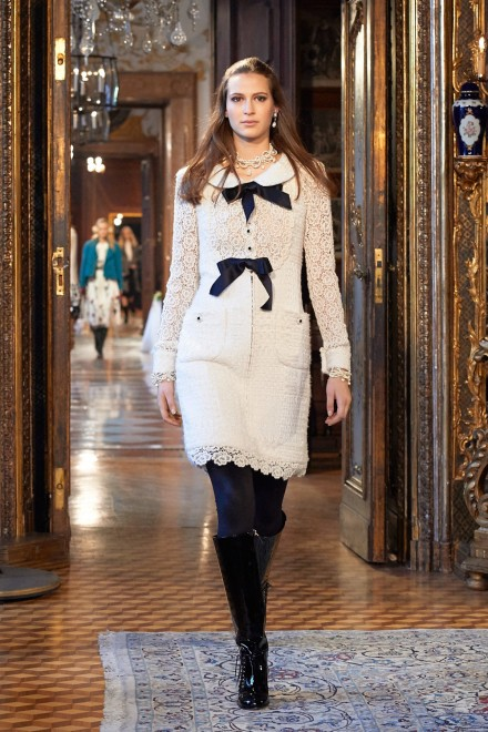 Chanel-Metiers-dart-Paris-Salzburg-2014-15-collection---Show-pictures-by-Olivier-Saillant-011
