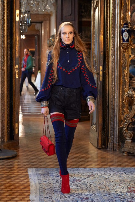 Chanel-Metiers-dart-Paris-Salzburg-2014-15-collection---Show-pictures-by-Olivier-Saillant-022