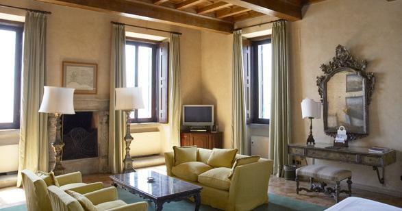luxury-hotels-rome-la-posta-vecchia-slide-2_lg